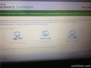Samsung NP300V5A Notebook recovery tuşu