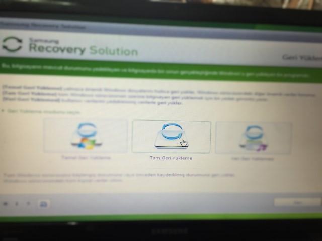 3-Samsung-NP300E5A-recovery-yapma.jpg