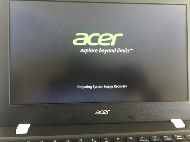 4-Acer-Aspire-One-Cloudbook-11-reset.jpg